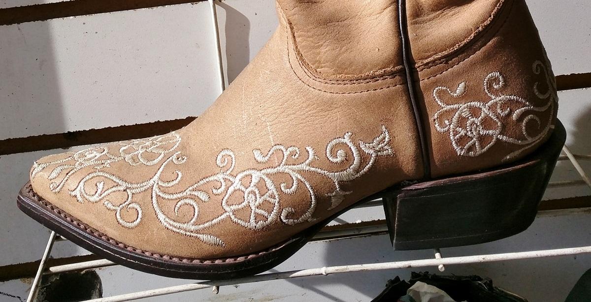 5106911251 botas vaqueras bordadas para mujer