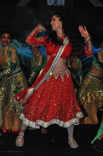 Bollywood Actress Model Sunny Leone Dance Performance in Red Half Saree at Rogue Audio Launch 13 March 2017  0005.jpg