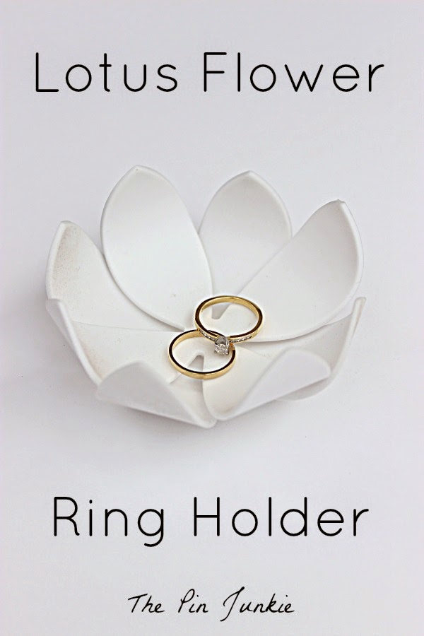Lotus Flower Ring Holder