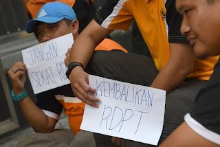 Pemuda PAN Rantai Pagar Pejabat SPR