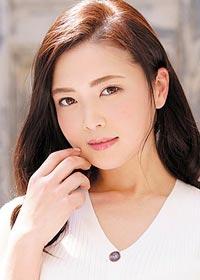Actress Kaori Iiyama