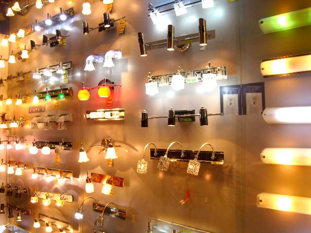 Đèn trang trí là gì? Cách lựa chọn đèn trang trí phù hợp hài hòa nhất
