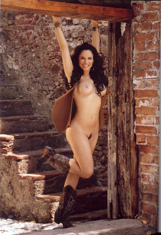 Liz vega desnuda