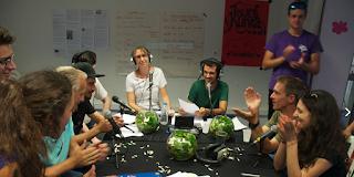 Alexia Pariollaud et l'équipe de web radio la Fourmilliaire Aubagne