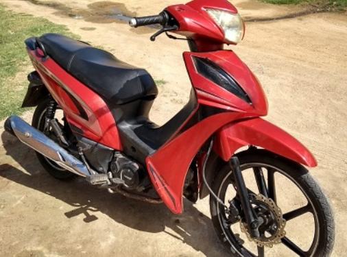 Em Delmiro Gouveia, polícia  recupera ciclomotor  furtado