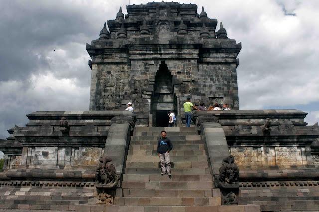 Candi Mendut, Wisata Sejarah Dengan Arca Budha Raksasa