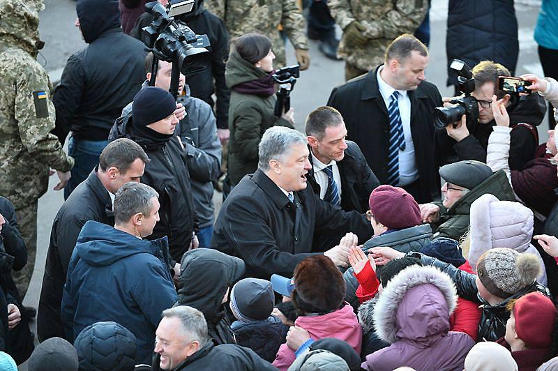 порошенко житомир бежит к людям