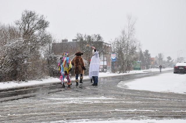 Żandary - wiosenne kolędowanie na poznańskiej Ławicy