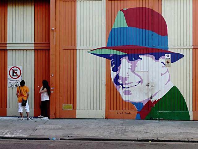 Mural callejero de Carlos Gardel