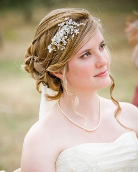 Elegante Hochzeitsfrisuren 2015