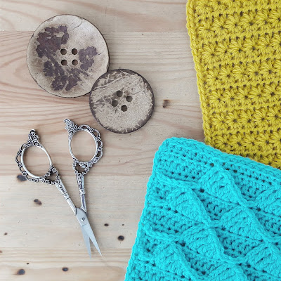 Last dance on the beach: joining squares, crochet instructions | Happy in Red
