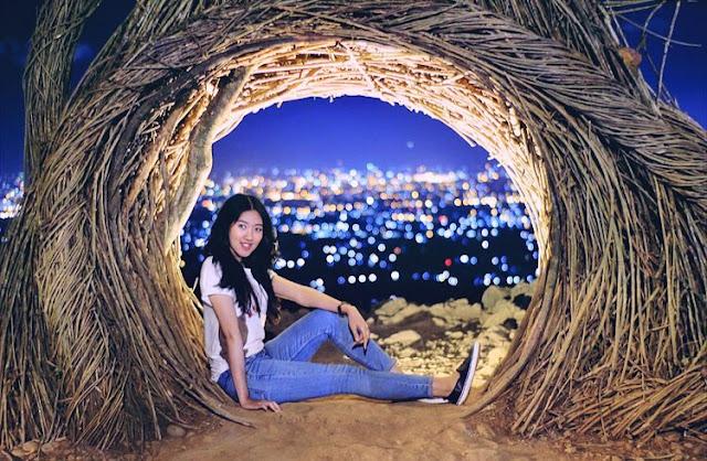 Menikmati wisata liburan malam hari di Bukit Bintang Yogyakarta