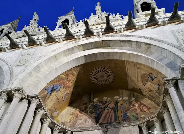 Saint Mark's Basilica by night with LivItaly Tours
