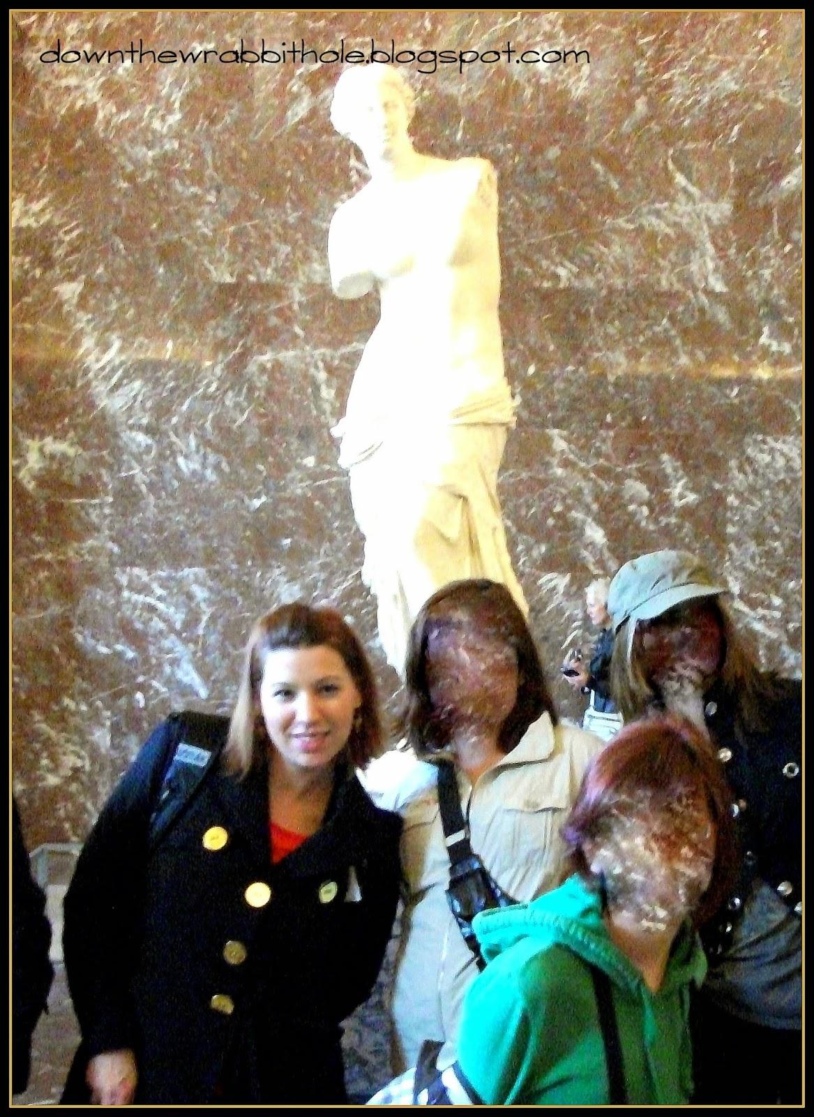 Venus de Milo statue, Paris France, Louvre art, Louvre statues