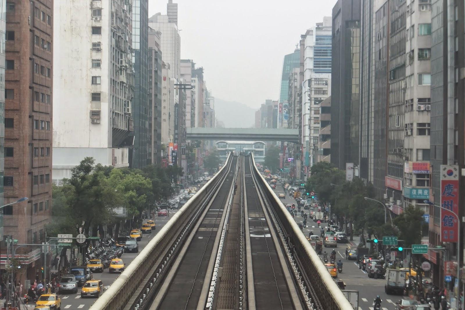 Taiwan-railway 台湾の高架鉄道2