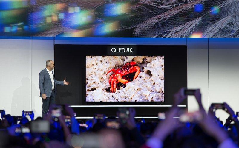 سامسونج تقدم تلفاز بحجم شاشة 98 بوصة