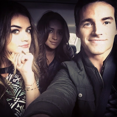 PLL cast are like siblings (brother and sisters), according to Ian Harding