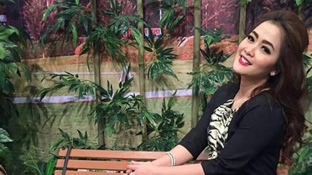 Soal Keromantisan dengan Suami, Vega Darwanti: Dia Kayak Kenebo Kering!