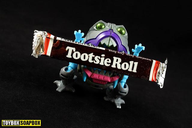 Transformers Titans Return legends Sharkticon Gnaw review