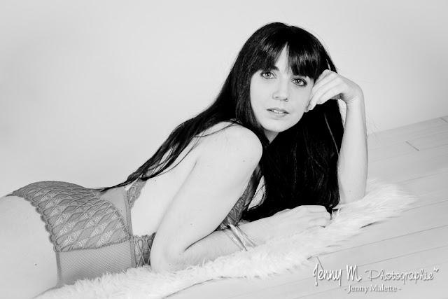 portrait femme en studio portrait noir et blanc
