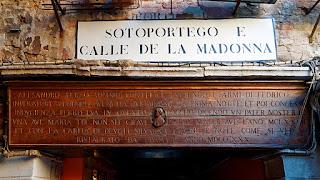 Sotoportego e Calle de la Madona, San Polo