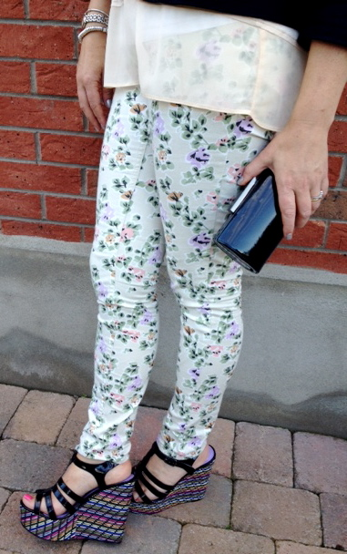 4dcdd7e556b9 Primark Floral Jeans - joint blog post with Poppy s Style   Style ...