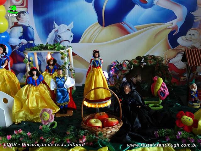 Mesa temática Branca de Neve, festa infantil