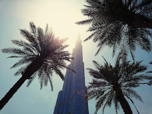 Mikael Buck, Burj Khalifa, Sony Xperia XZ
