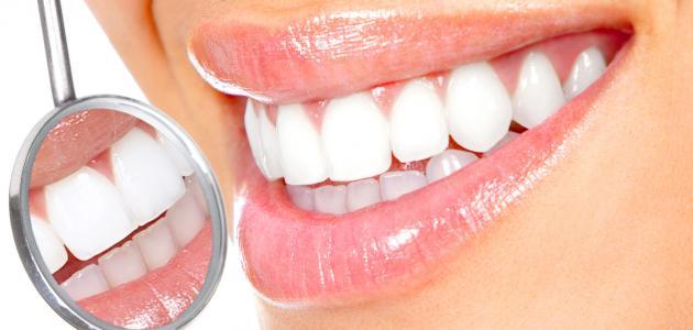 افضل الخلطات الطبيعية لتبييض الاسنان