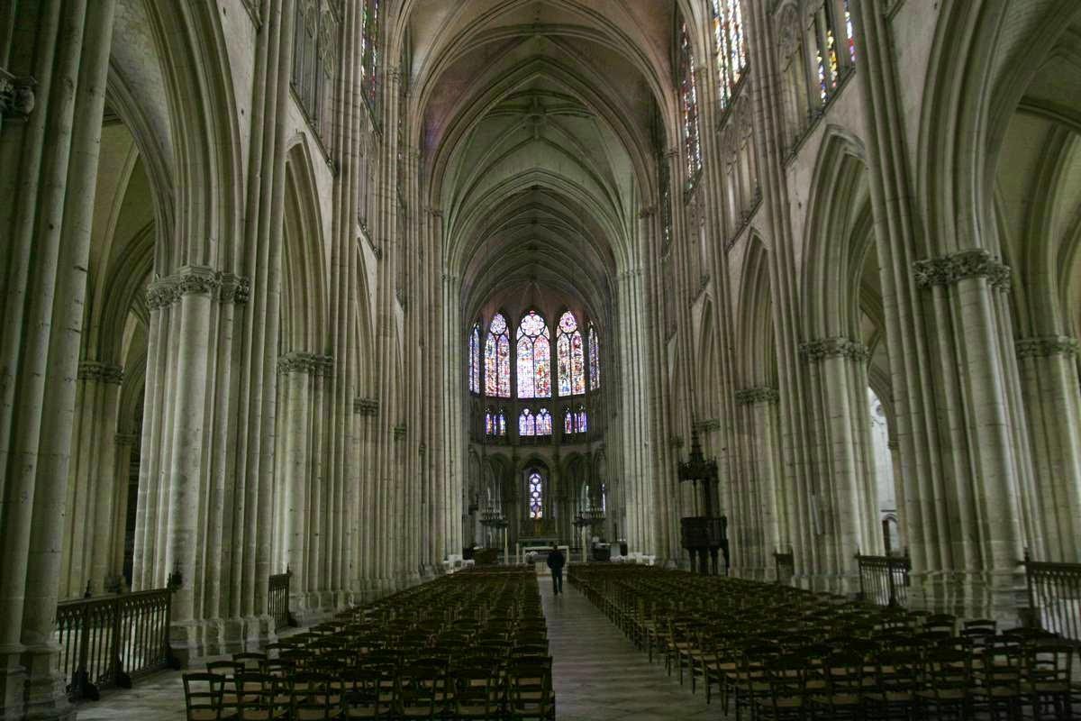 Het interieur van de kathedraal van Troyes in de Champagne, Frankrijk