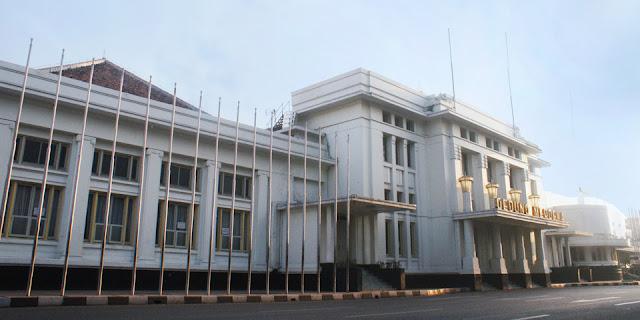 Kenapa Kota Bandung Disebut Dengan Kota Kembang?