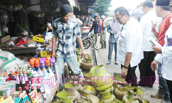 Merebak Isu Peredaran Daging Oplosan Assisten II Lampura Sidak Pasar