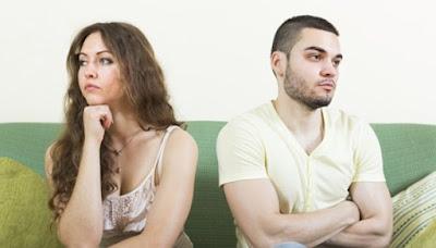 4 Tanda Dia Menyesal jadi Kekasih Anda