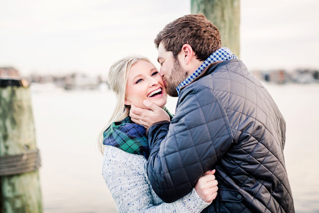 A Sunny Winter Engagement Session in Downtown Annapolis with Lauren and Zach by Heather Ryan Photography