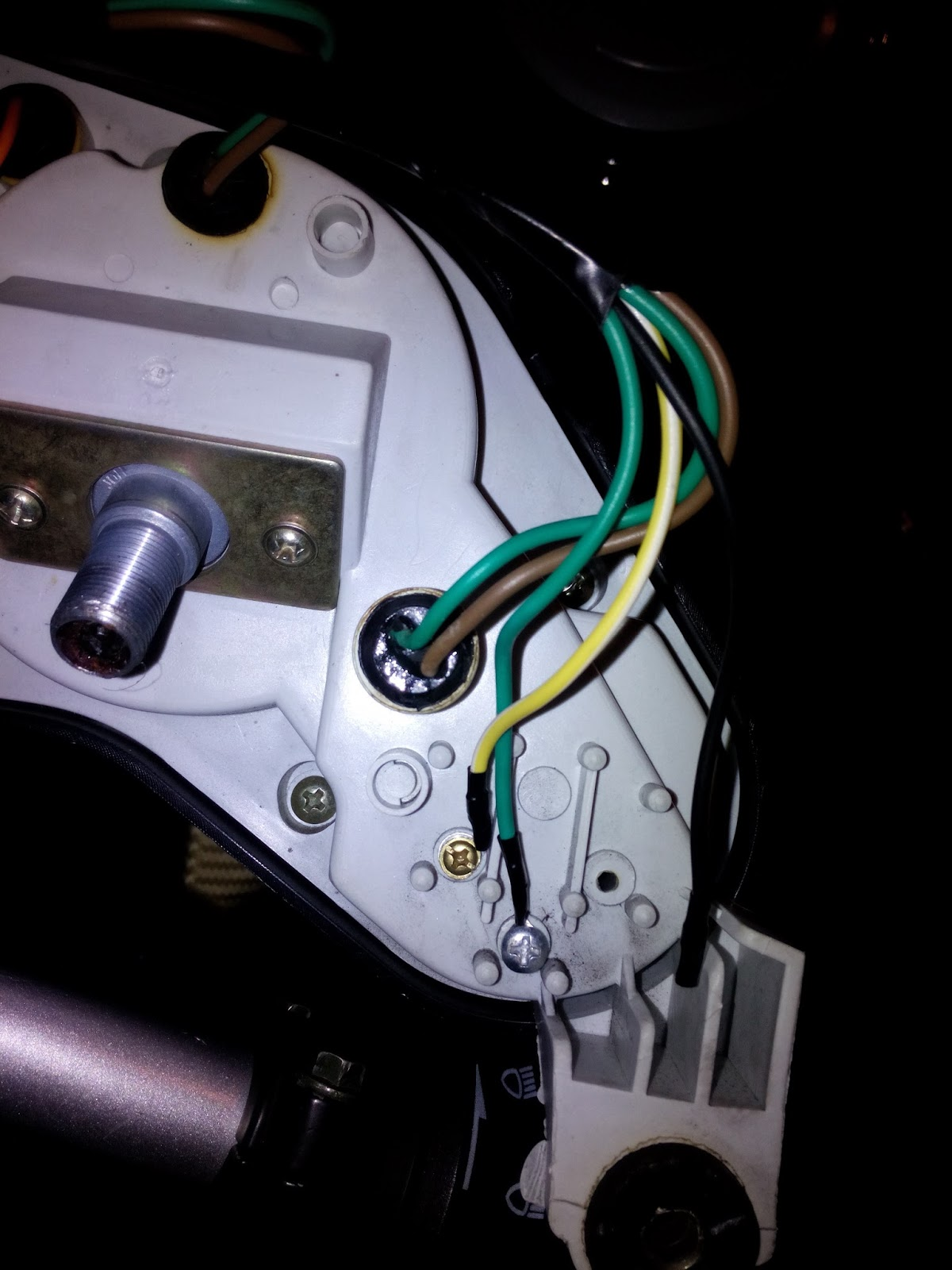The Early On Set Midlife Crisis Lexmoto Xtrs 125 Project Changing Speedometer Gauge Wiring Diagram Now You Dont Need To Take Off Completely As Above Can Get Away With Removing Two Little Panels At Top Sides And Just Undoing