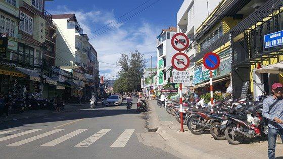 Đường Bùi Thị Xuân
