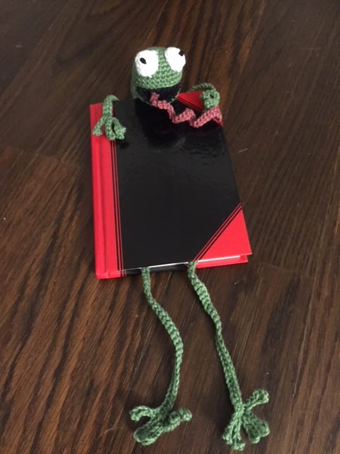 Nanusch Näht Der Platte Frosch Ein Tierisches Lesezeichen