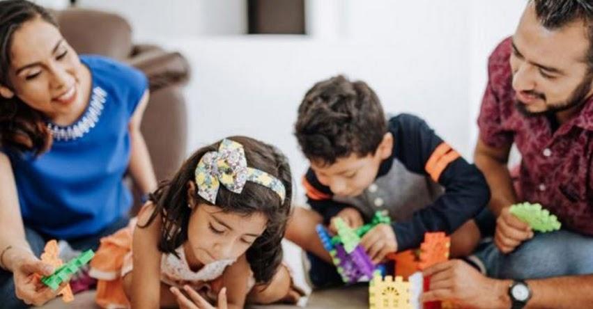 León Trahtemberg: «Hoy está en juego evitar un vacío en el desarrollo de los niños»