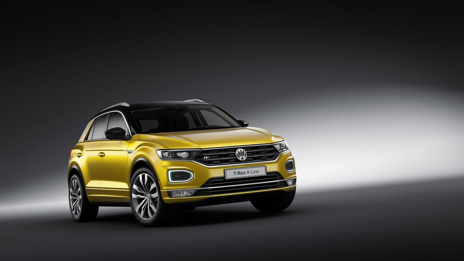 Vw T Roc Puts On Sporty R Line Ensemble For Frankfurt Carscoops