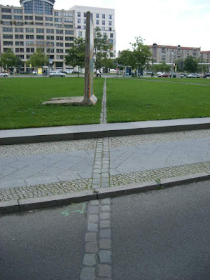 Muro de Berlin cerca de la Potsdamer Platz