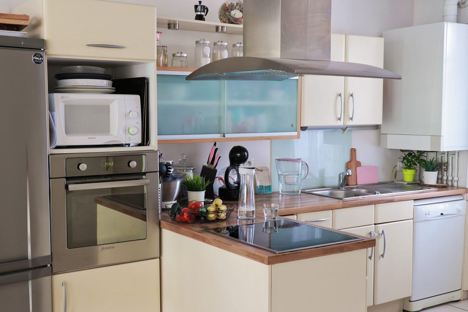 cuisine brita maison décoration déco intérieur carafe filtrante les gommettes de melo propriétaire