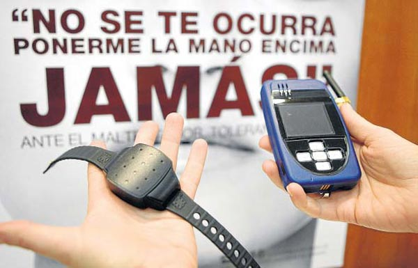 Telefónica se adjudica el servicio de las pulseras antimaltrato