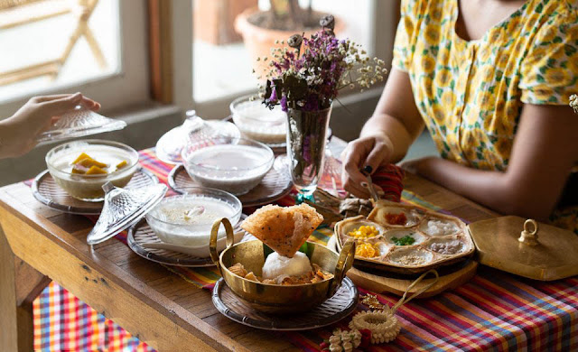Ngoài món xôi nổi tiếng của Lào với hạt gạo to, dài và dẻo thơm, Lào còn có rất nhiều các món ăn khác thú vị. Dưới đây 5 món ngon đặc sắc mà bất kỳ một vị khách nào cũng không thể bỏ lỡ khi đến với Lào – đất nước của triệu voi.