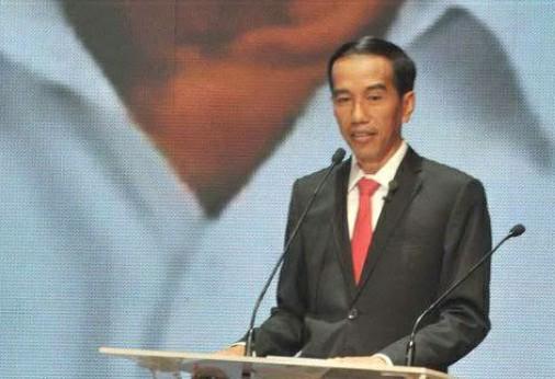 Jokowi: Jas Itu Pakaian Orang Amerika, Mahal!