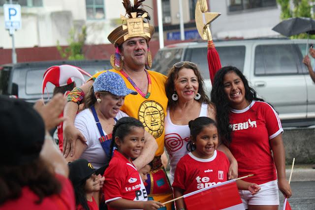 grupo de la danza folclorica indigena en el desfile peruano de New Jersey 2016