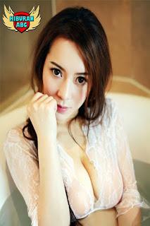 Foto-Model-Sexy-Jiang-Yihan-1