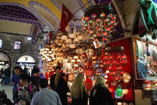 Большой базар Стамбула (Гранд базар, крытый рынок), Стамбул, Турция.
