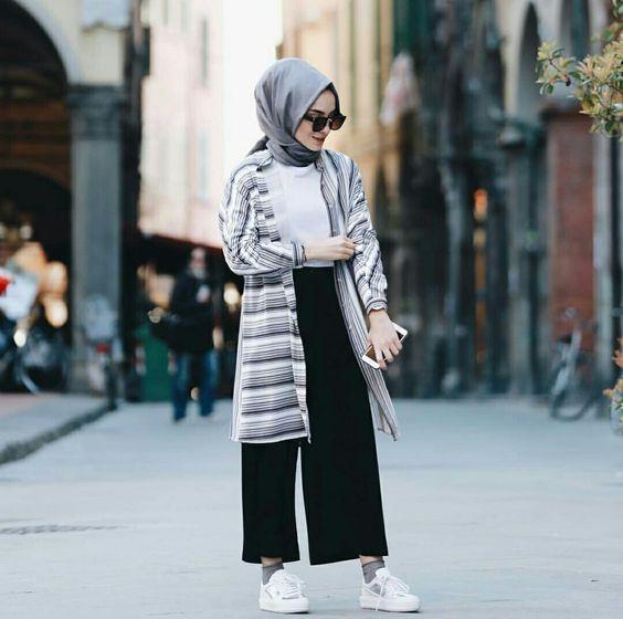 Tips Hijaber Agar Tetap Gaya Saat Traveling Dengan Celana Kulot A