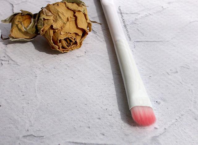 Wet&Wild Smoky Liner brush