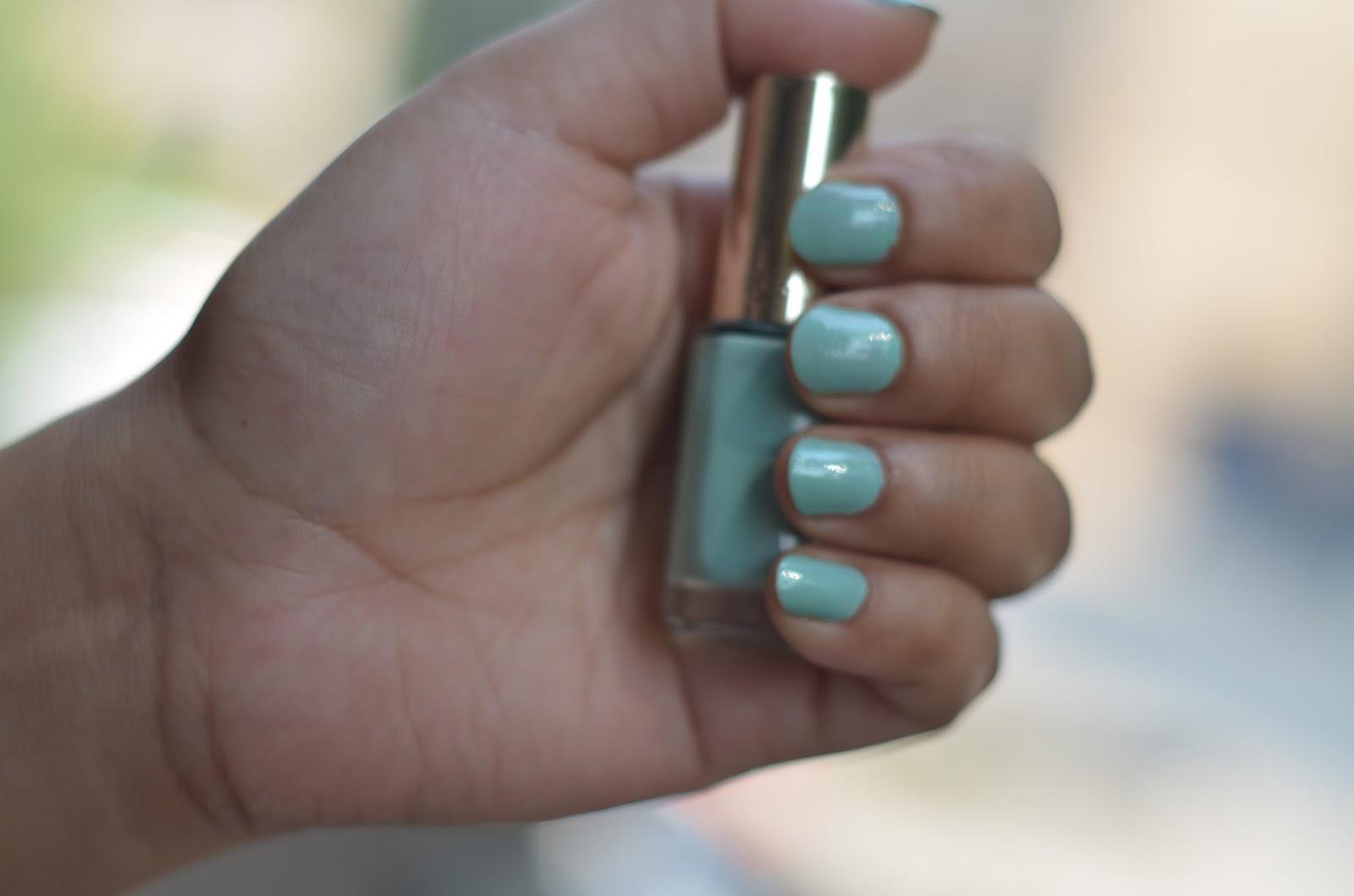 Loreal color riche Le vernis nail polish review: Perle De Jade